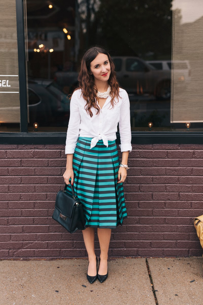 work wear, striped midi skirt, midi skirt for petite women, kate spade purse, nine west heels, black nine west pumps, pearl necklace, breakfast and tiffanys pearl necklace, fall fashion, fall style