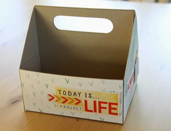 http://danipeuss.blogspot.com/2015/02/organizer-box-fur-project-life-karten.html