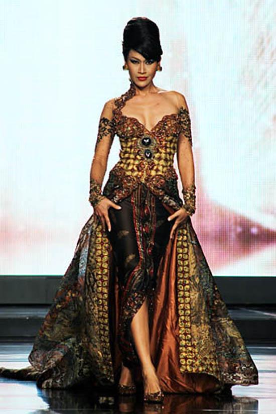trend fashion: gaun batik anne avantie
