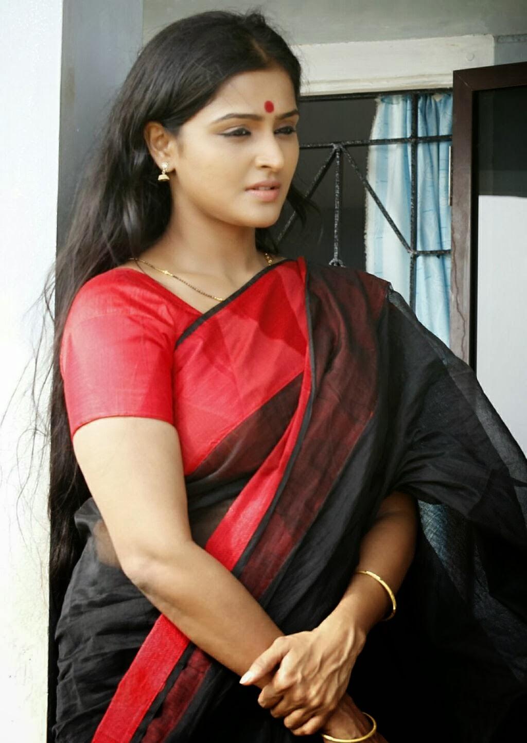daily tamil malar: remya nambeesan cute stiils