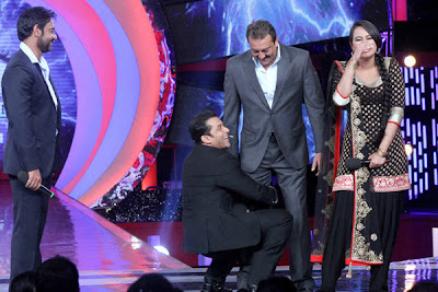 Sonakshi Sinha wearing churidaar in Big Boss 6 with Salman Khan