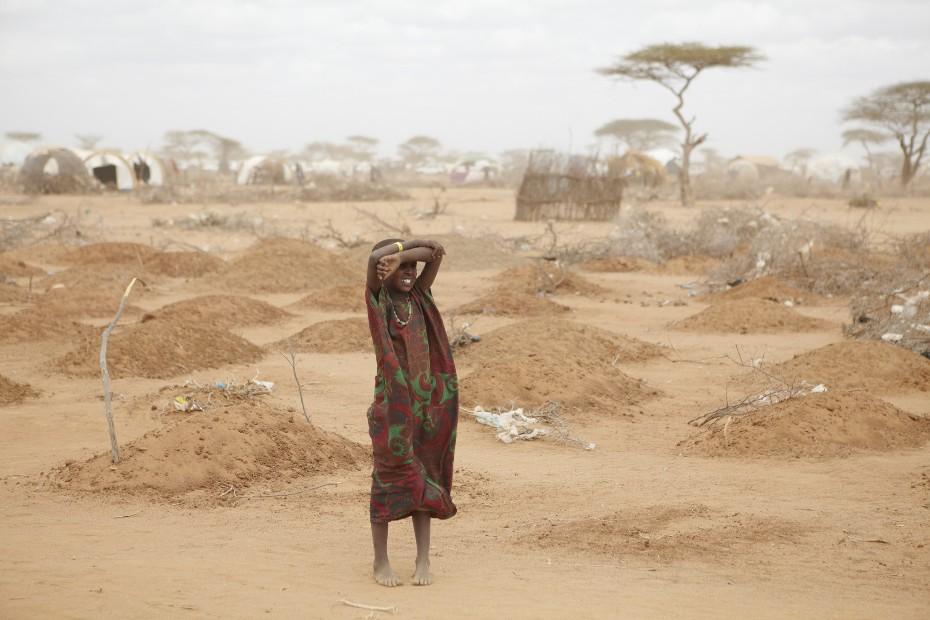 Cementerio infantil en el megacampo de refugiados somalíes de Dagahaley, Dadaab, frontera de Kenya.