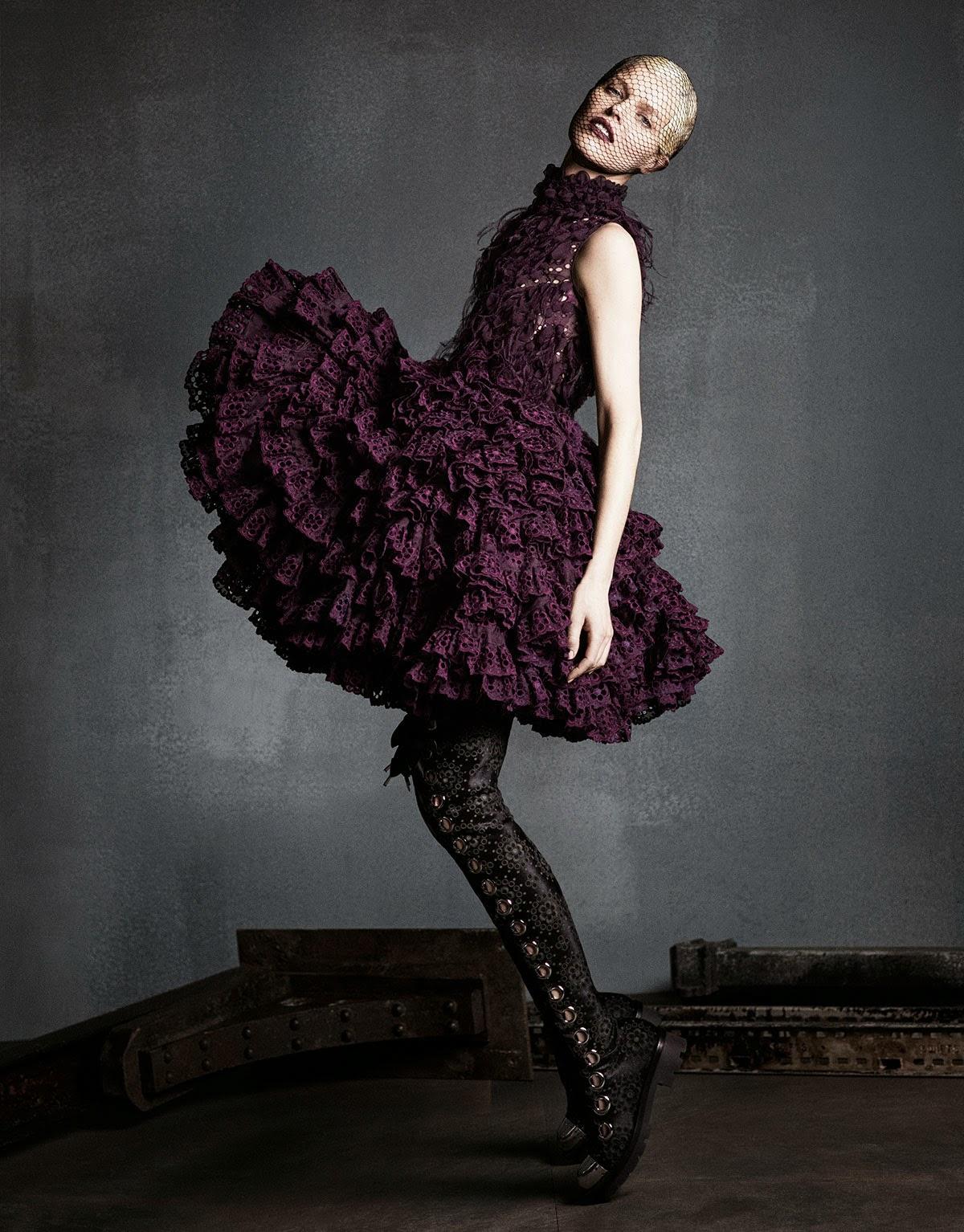 Eva-Herzigova-Perfect-Icon-Vogue-Japan-September-2014