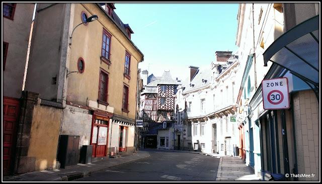Rennes : Vieille Ville centre historique rues colombages tour