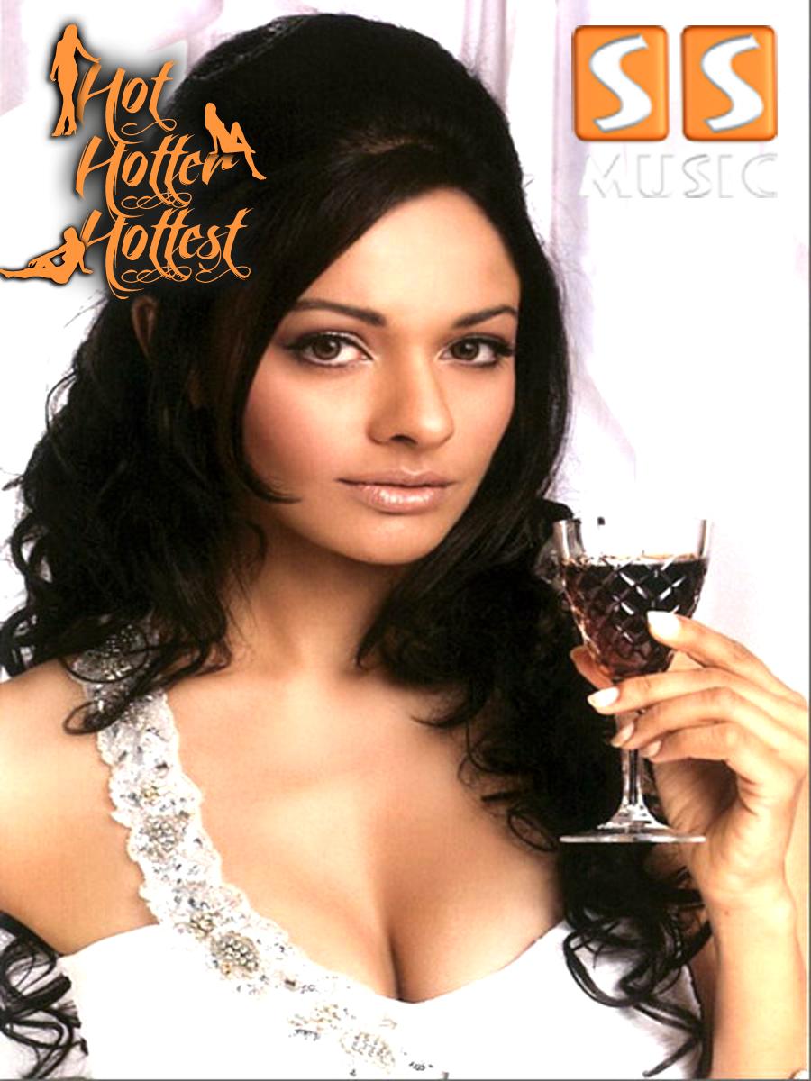 Sana Khan in Hot Hotter Hottest ~ SS Music