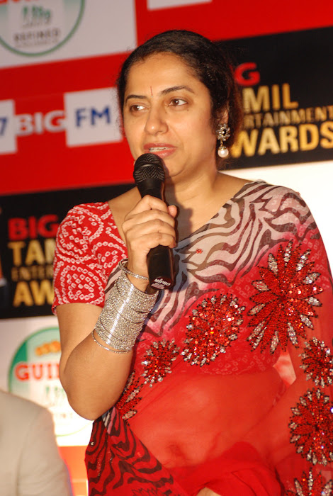 suhasini mani ratnam at big fm et awards actress pics