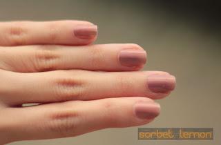 Estee Lauder Surreal Violet nail polish