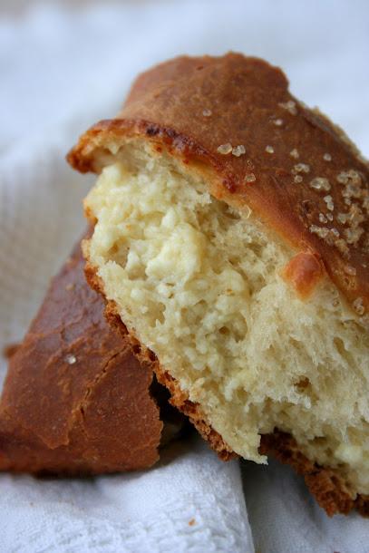Drożdżowy warkocz z serem