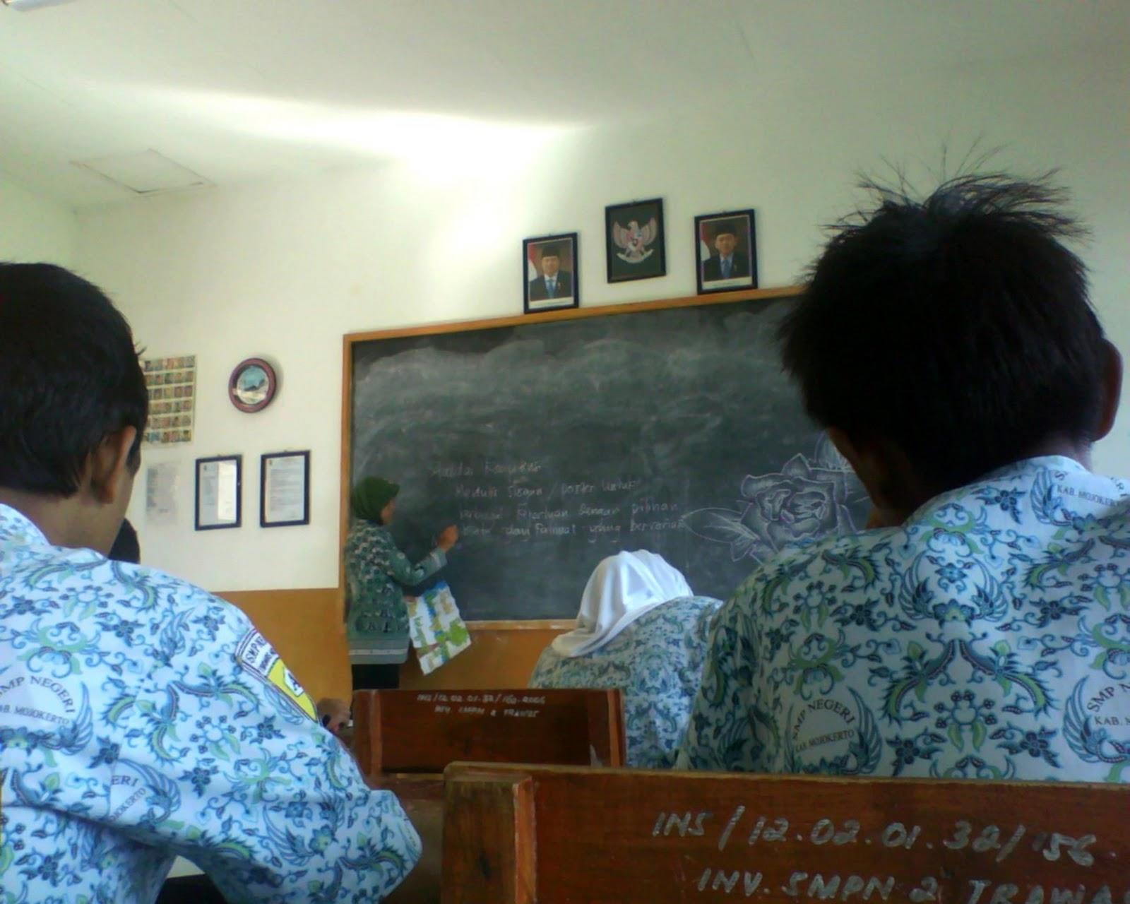 CONTOH MEDIA PEMBELAJARAN BAHASA INDONESIA (B INDONESIA SMT. 5)