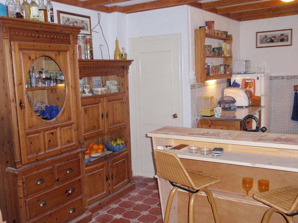 Handdoekenrekje Keuken : kruidenrekje, twee houders voor de keukenrollen, een handdoekenrekje