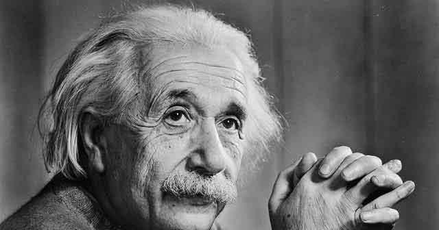 """Kết quả hình ảnh cho Albert Einstein (1879-1955) Nhà vật lý lý thuyết vĩ đại người Đức, """"cha đẻ"""" của Thuyết Tương đối"""