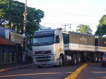 CAMINHÃO QUEBRADO