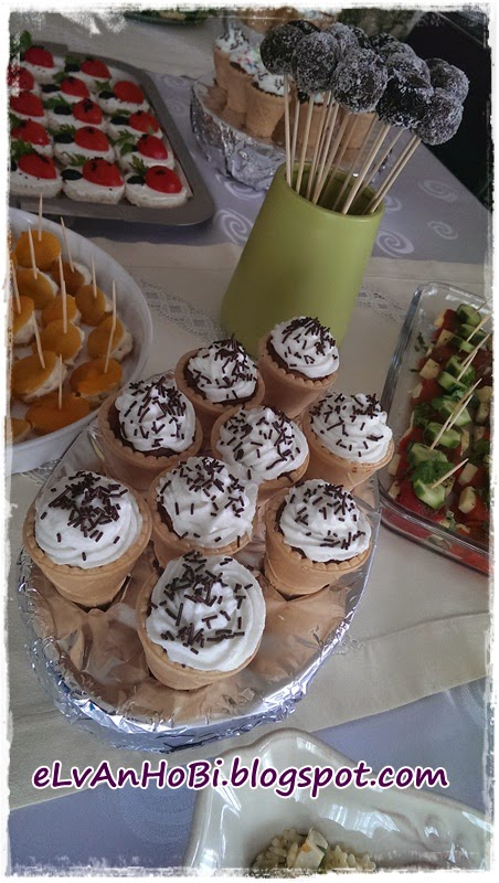 dondurma külahında kek
