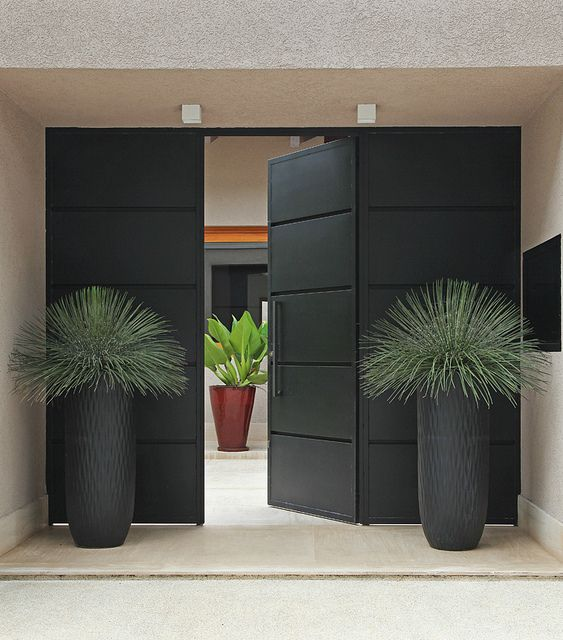 World of architecture 30 modern entrance design ideas for Plants next to front door