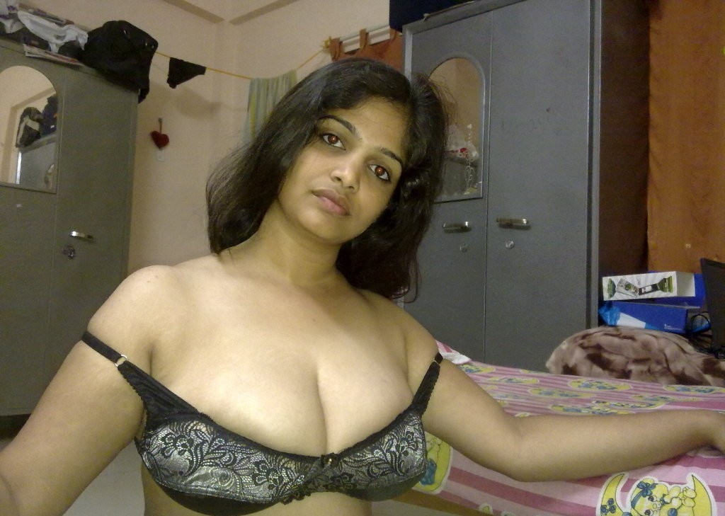 Beautiful Telugu Aunty from Hyderabad - The Cute Sexy and
