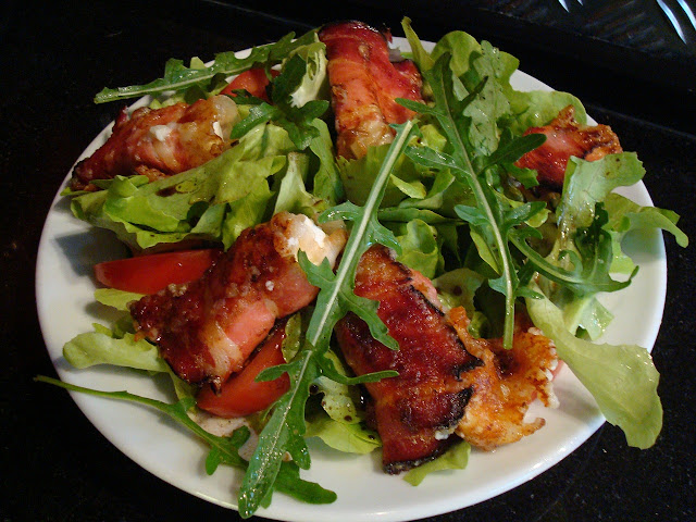 Salad with Bacon Rolls Stuffed with Cream Cheese