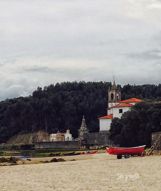 Cementerio y playa en Niembro