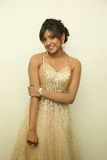 glamorous Vithika sheru new sizzling pics-thumbnail-3