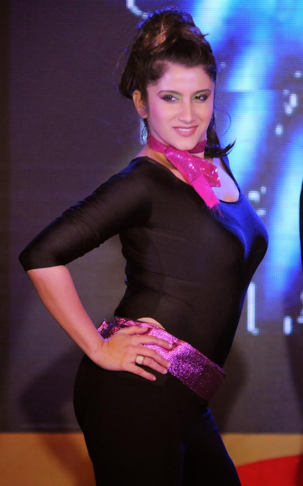 vineet bangera  founder dance central  with smiley suri