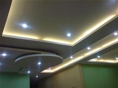 desain rumah minimalis plafond rumah tinggi sejuk