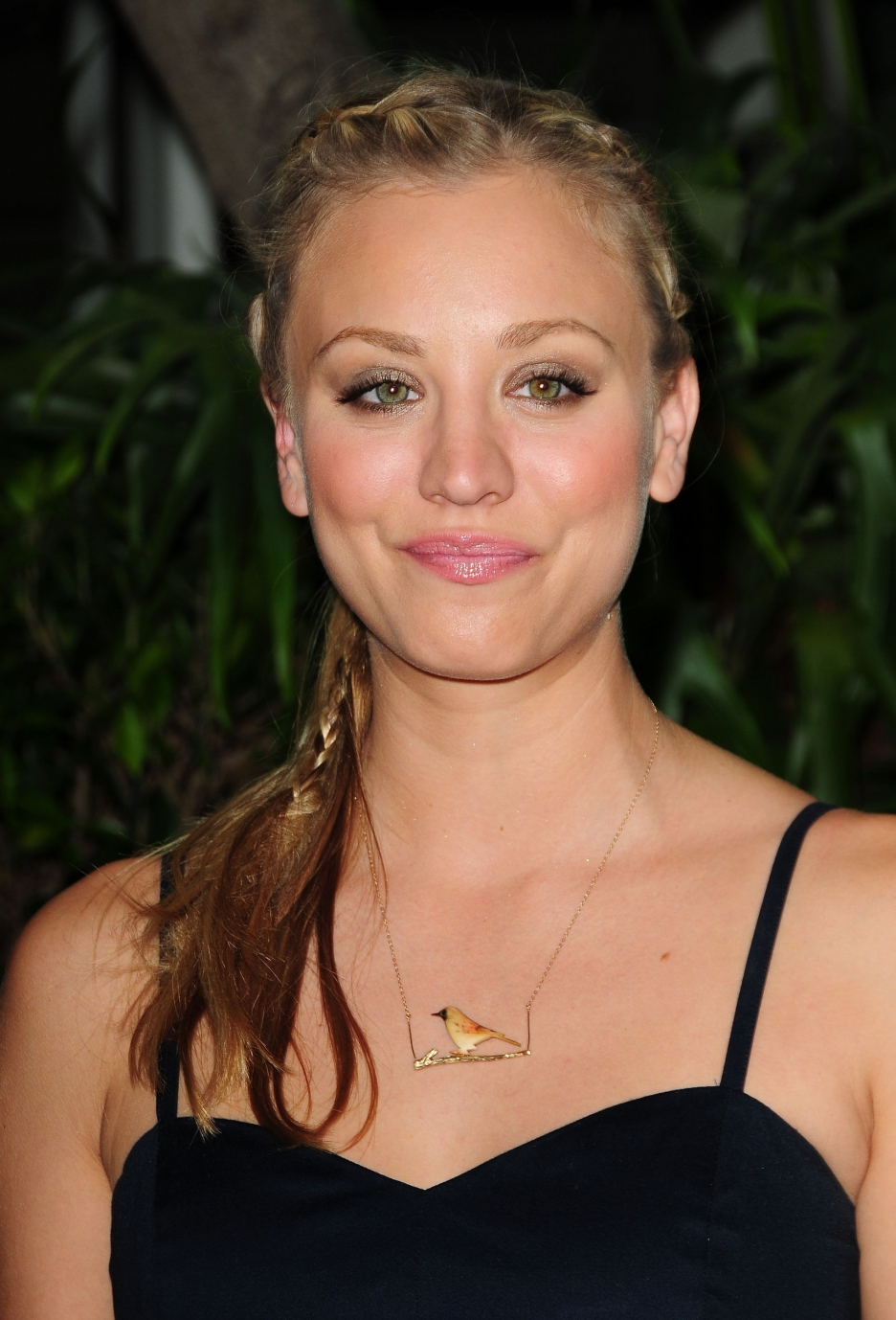 Fash Craze: Kaley Cuoco Hairstyle Pictures