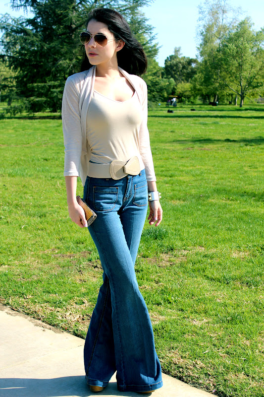 OOTD- High Waisted Flare Jeans &amp Neutral Top – Rachel Talbott