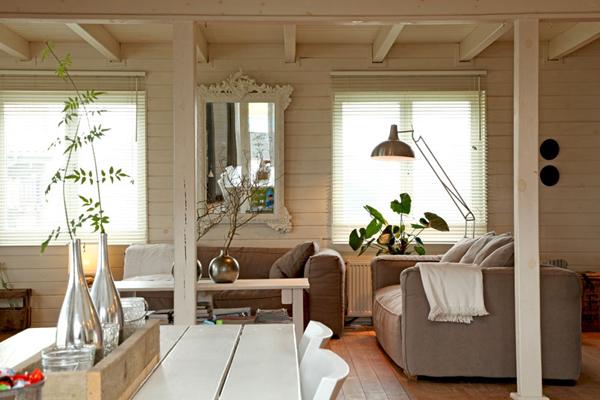 moois en liefs: Wit houten huisje
