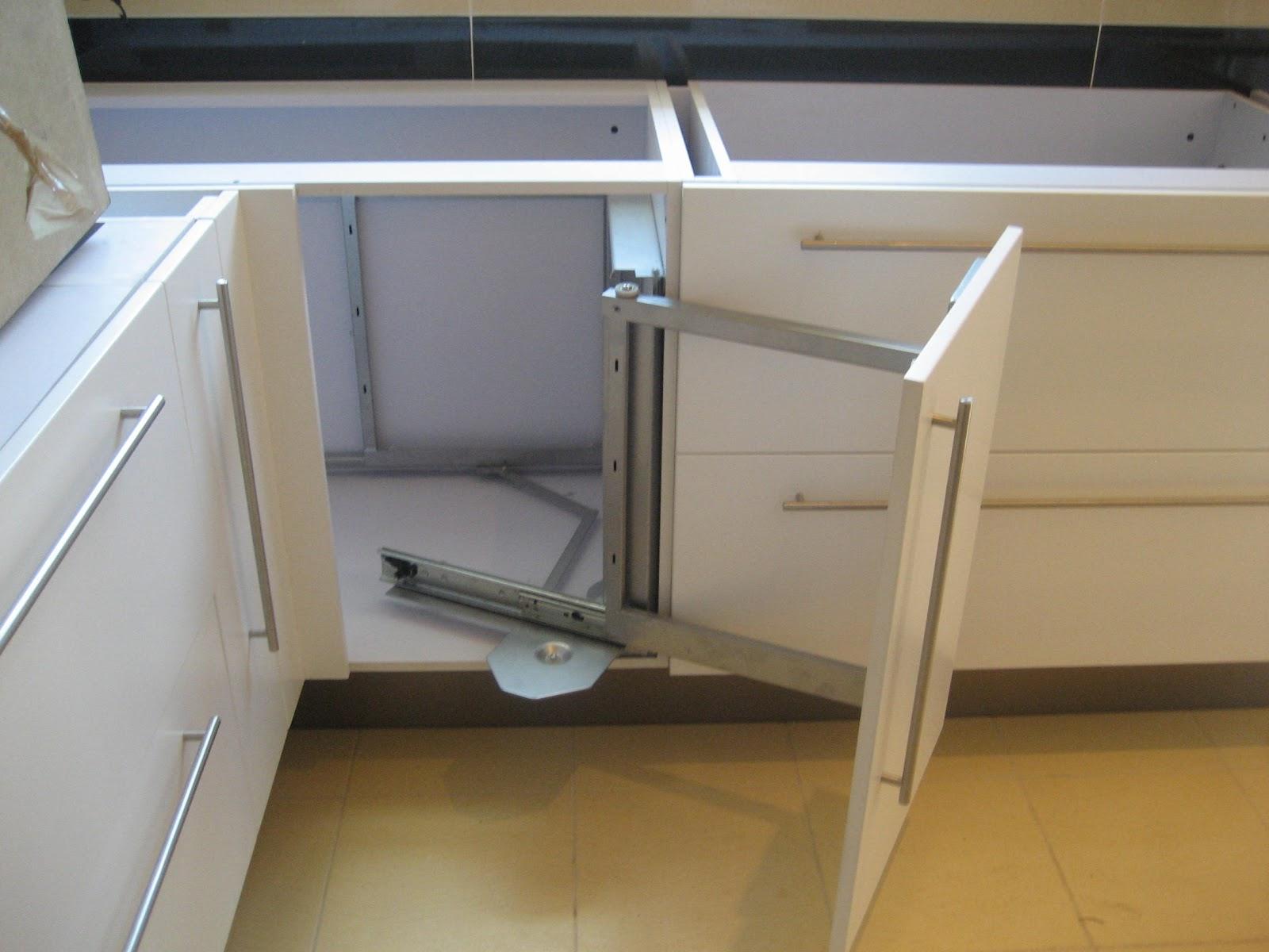 Arquitectura en cocinas organizacion en la cocina rinconeros - Muebles de cocina en esquina ...