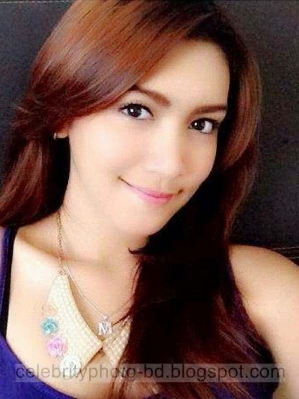 Melody Prima Ananda Divia Hot Indonesian Young Actress Photos