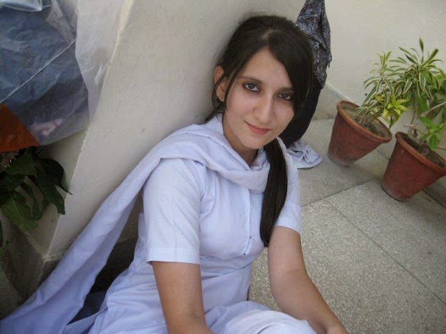 Indian School Girls Photos