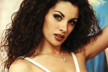 ΤΟΥΜΠΑΝΟ η Νένα Χρονοπούλου: Δείτε πώς είναι ΣΗΜΕΡΑ το κορίτσι των 90's [photo]
