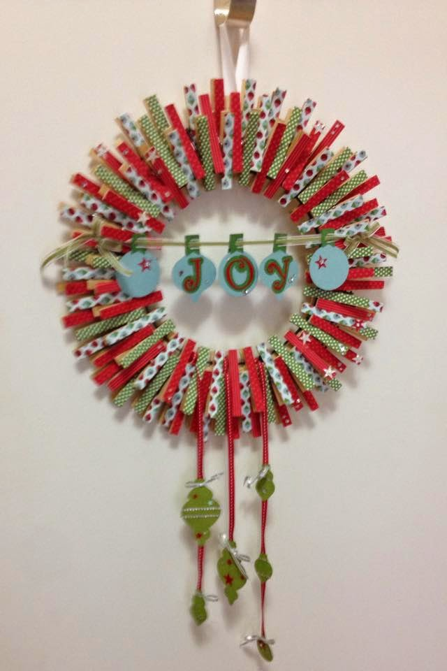 MidnightCrafting.com  Stampin Up Gift  Christmas Clothes Pin Wreath
