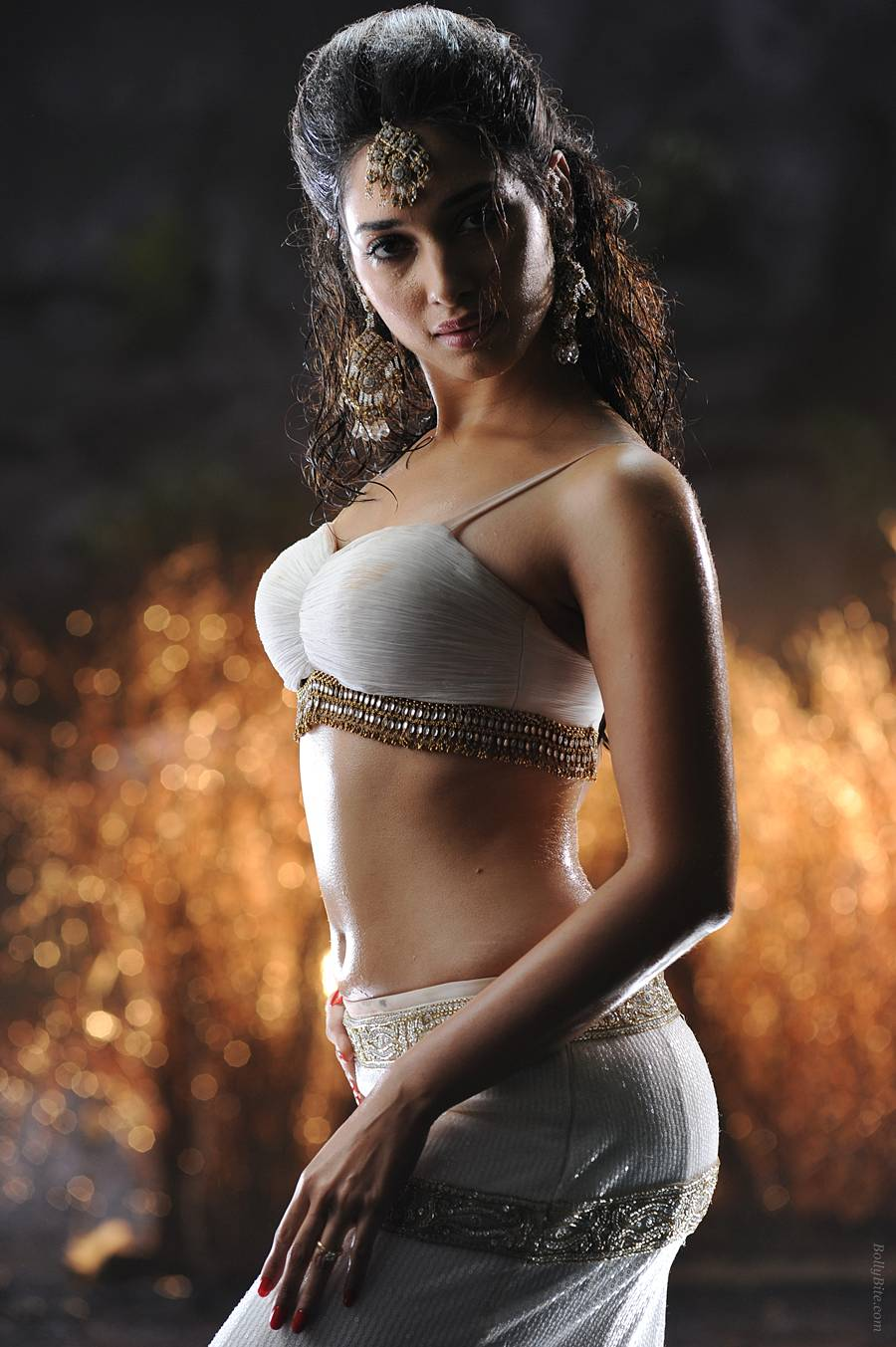 1 - Tamanna Bhatia Movie Badrinath Pics in rain