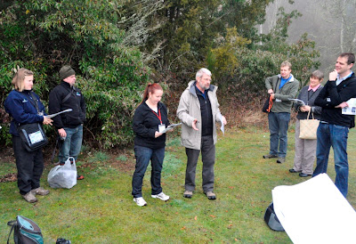 Trevor James tell workshop how to take photos for identification