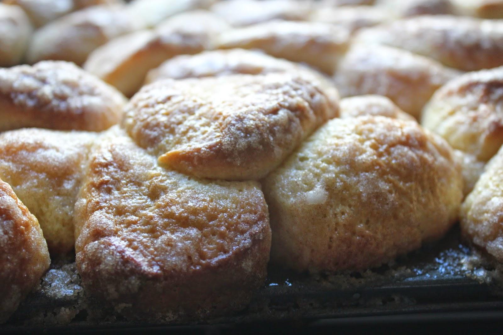 Cinnamon-sugar brioche buns