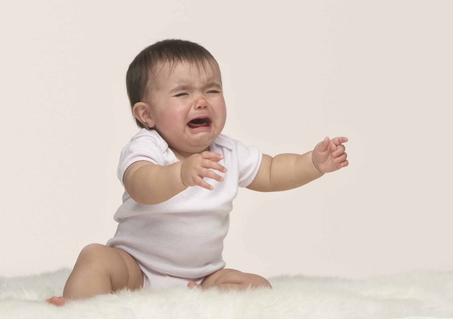Bebek beslenme sırasında neden ağlar Nedenleri, önleme, öneriler