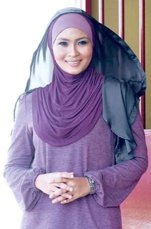 Gambar Siti Nordiana Bertudung Bukan Sekadar Berfesyen