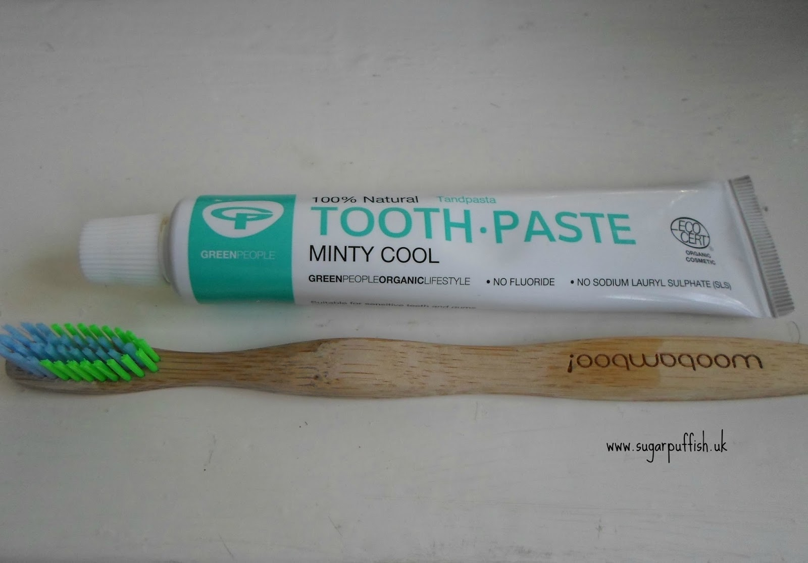 WooBamboo Toothbrush Green People Toothpaste