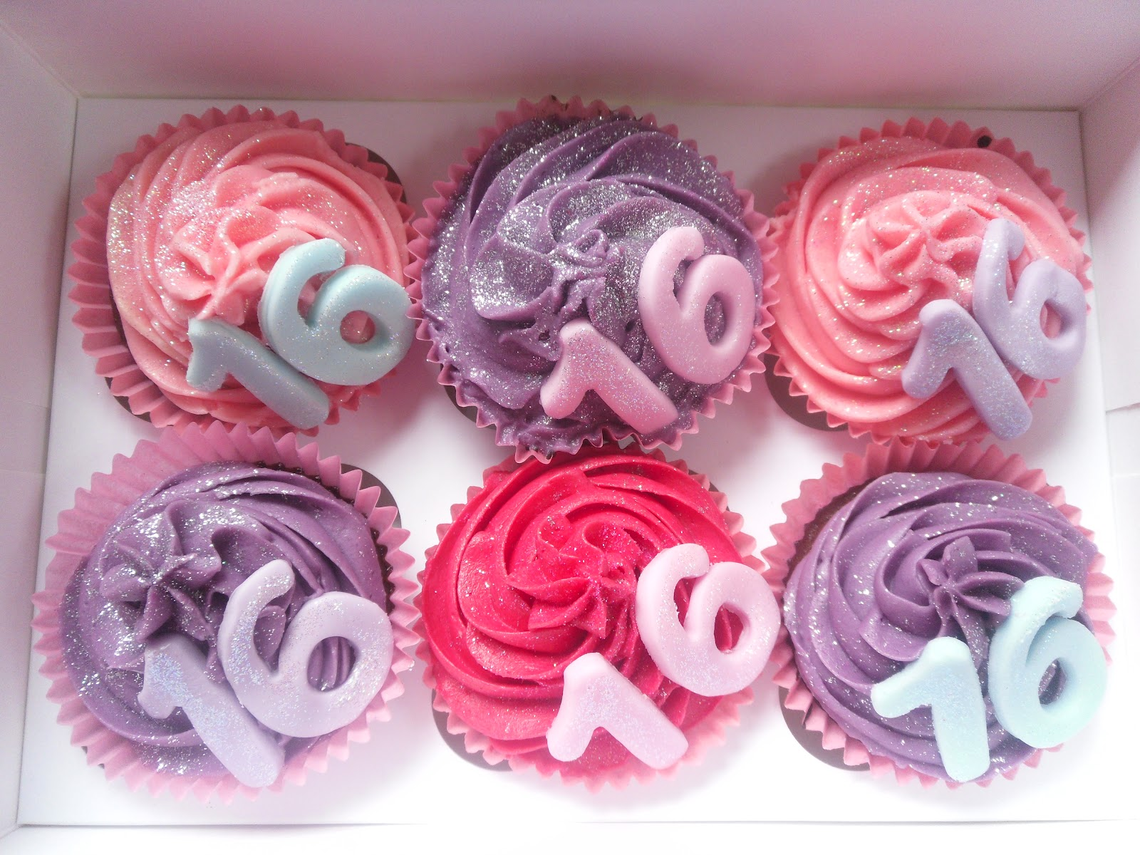 Cupcake Decorating Ideas For Sweet 16 : Sweetpea Bakery: Sweet 16 Cupcakes