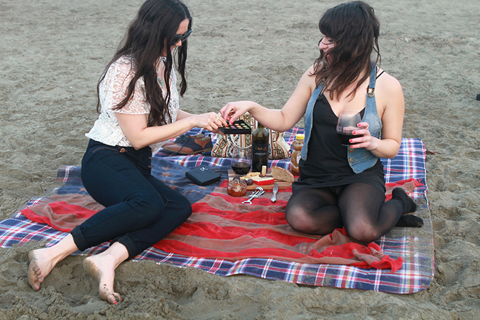 san francisco beach picnic