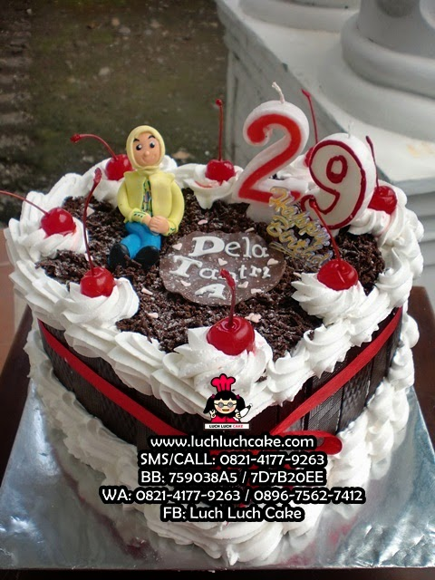 Kue Tart Love Untuk Ulang Tahun Istri Daerah Surabaya - Sidoarjo