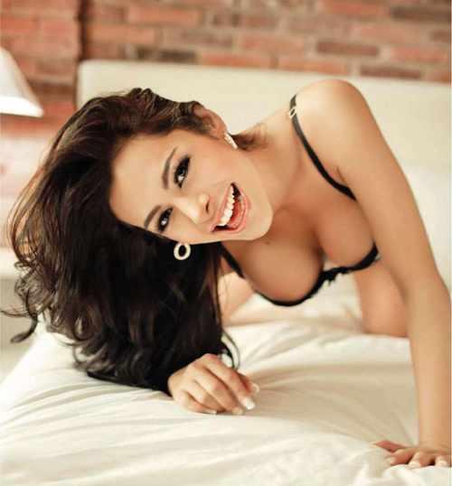 Paraguay Super Model Larissa Riquelme Sexy With Bikini