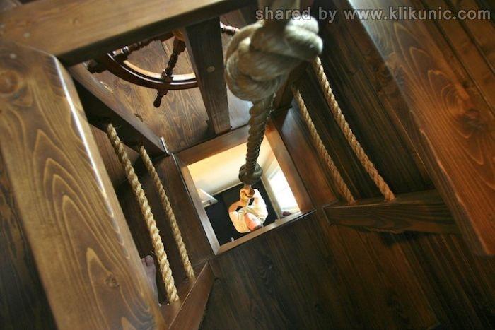 http://3.bp.blogspot.com/-ZRIyQlz-Nxc/TXF74yOoXCI/AAAAAAAAP10/7YcnBX6fhMw/s1600/ship_bedroom_12.jpg