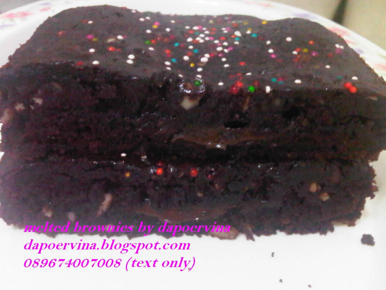 Malam2 makan melted brownies ini uenak bangettt.... Melted brownies ...