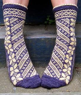 tricot-chaussettes-jacquard-papillons