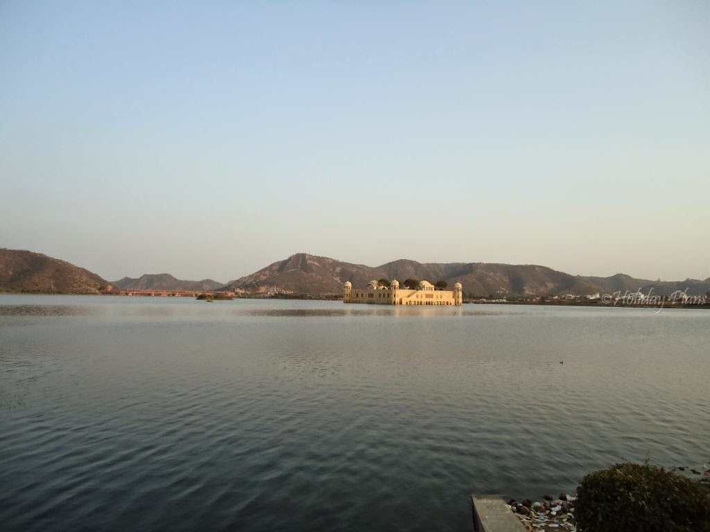 images of Jal Mahal in Jaipur Rajasthan India