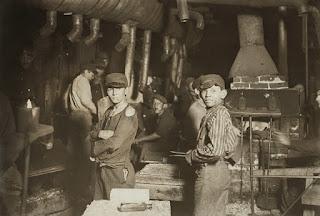 El trabajo infantil que esconden las baterías de coches eléctricos y smartphones