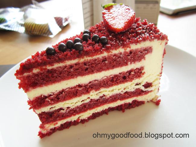 Moist Red Velvet Cake Marshmallow Icing