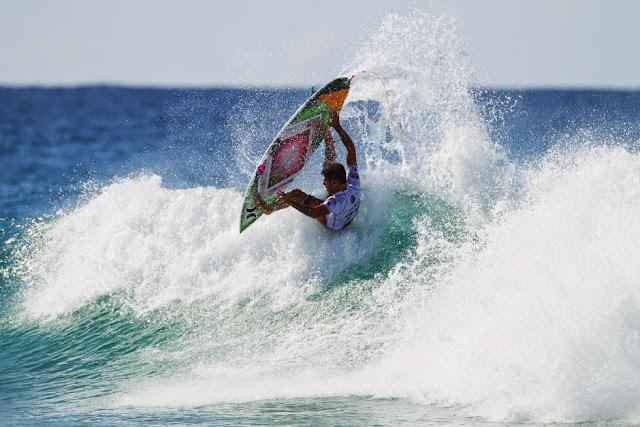 43 Quiksilver Pro Gold Coast 2015 Filipe Toledo Foto WSL Kelly Cestari