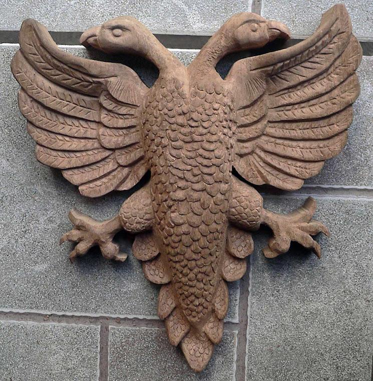 Águia Bicéfala - Entalhe em madeira / Escultura